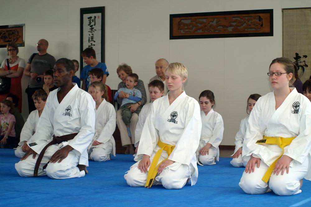 Erste Karate Demo im Kalchackerhof